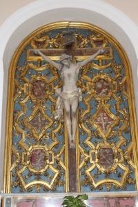 Crocifisso e reliquiario