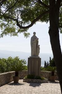 Statua S. A.