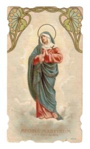 Regina Martyrum Cromolitografia anonima italiana, di gusto liberty, del 1898. Margini fustellati.