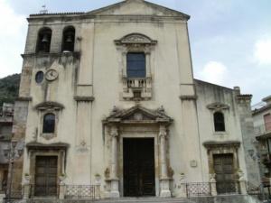 Fiumedinisi-chiesa-madre °