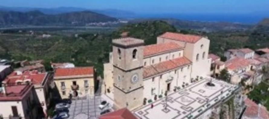 """SICILIA – """"Borgo dei Borghi"""" 2018, Castroreale: paese ricco di bellezza naturale storia arte tradizioni e religiosità, in gara per il titolo"""