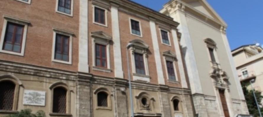 """MESSINA –  Montevergine, l'emozionante """"Rito di vestizione"""" di due giovani che entrano nella Famiglia delle """"Sorelle povere di S. Chiara""""."""