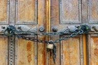 Coronavirus e Chiesa: l'insofferenza dei cattolici per la protratta esclusione dai luoghi di culto