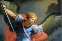 """San Michele Arcangelo. Il viaggio penitenziale di Salvatore Valenti: """"credere in Gesù Eucarestia unica salvezza""""."""