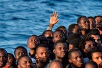 """Migranti: flussi ininterrotti e invasivi, """"la scioccante visione profetica giovanpaolina"""""""