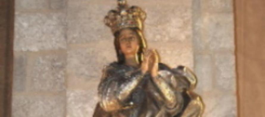 """Immacolata. Cei, Rosario con i media. Mons. Russo: """"Le nostre sofferenze nelle mani di Maria"""""""