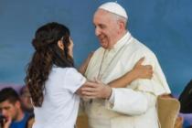 """Papa Francesco ai giovani radunati al Circo Massimo: """"No alla cultura della morte"""", """"Non lasciatevi rubare i sogni"""""""
